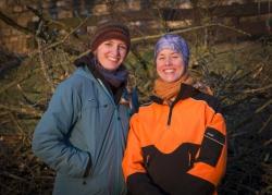 Nach getaner Arbeit: Greta Ehrhart (l.) und Frauke von Beesten (r.)